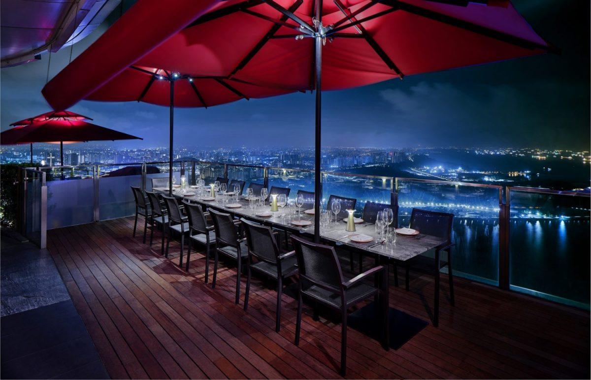 SkyBar Cé la vi Singapore, Roof top bar, night club